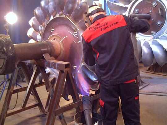 roue turbine barrage pelton