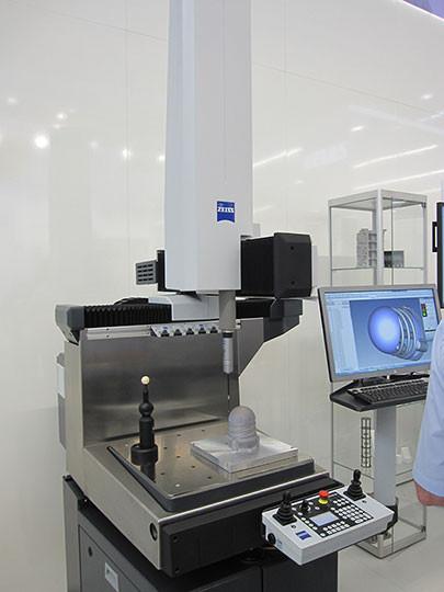 machine mesurer tridimensionnelle zeiss